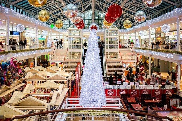 obchodní dům před vánoci