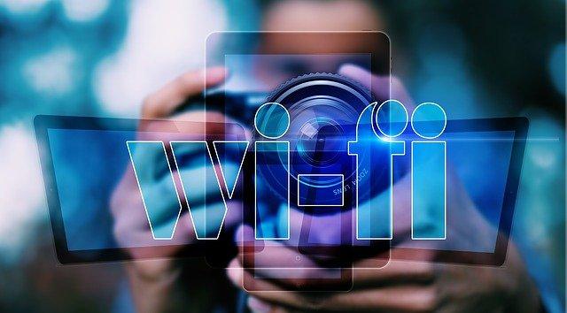 Je možné odesílat soubory v rámci jedné Wi-Fi sítě?