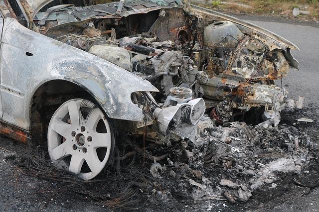 zničené auto.jpg