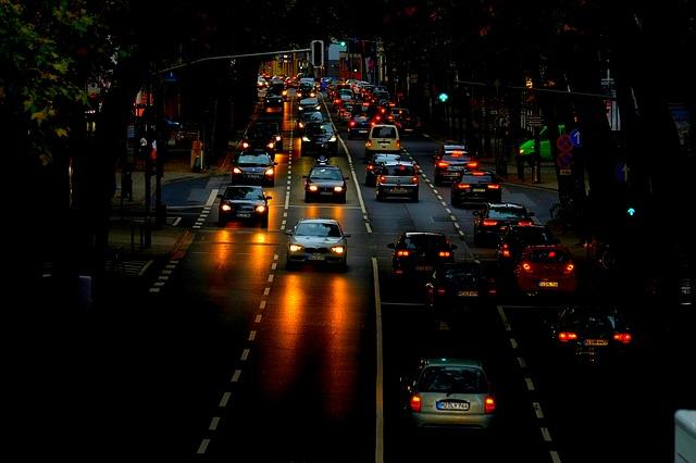 Opomíjet kvalitní autožárovky H7 a správné seřízení světlometů se nevyplácí