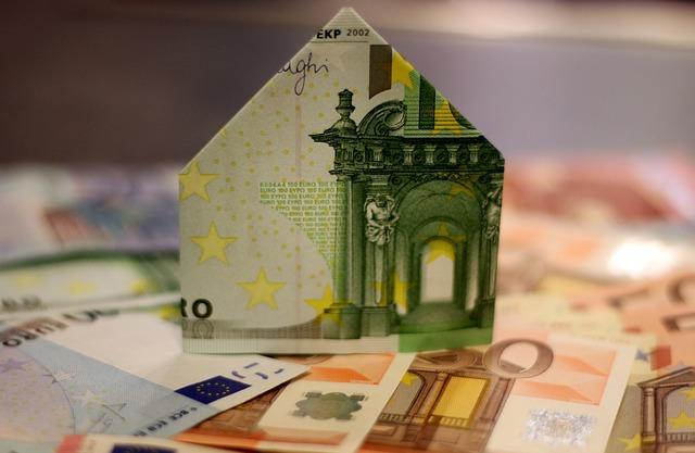 domek z bankovek