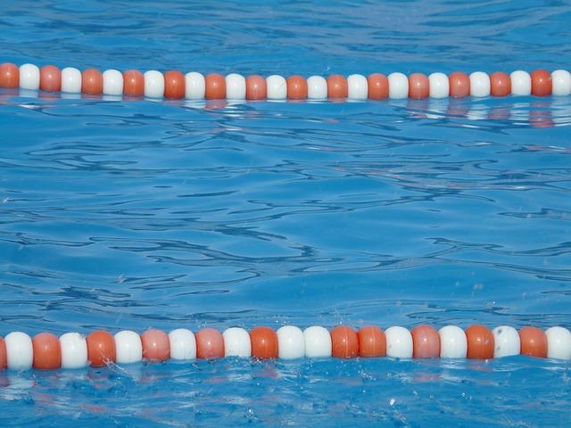 připravený plavecký bazén