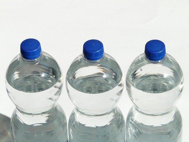 čiré PET lahve