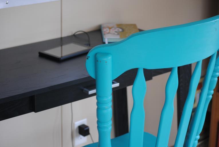 židle v pokoji